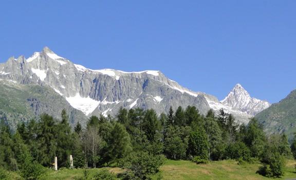 pesch-chalet-fridolin-mountains